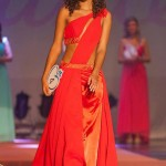 Flora-Coquerel-robe-rouge