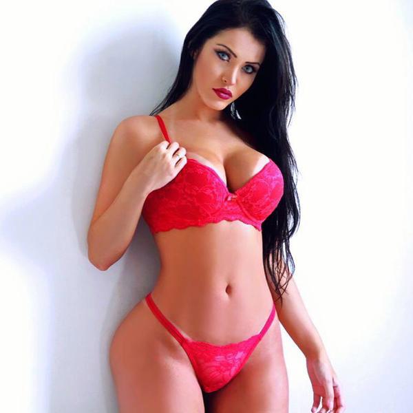 Plus gros seins sexe